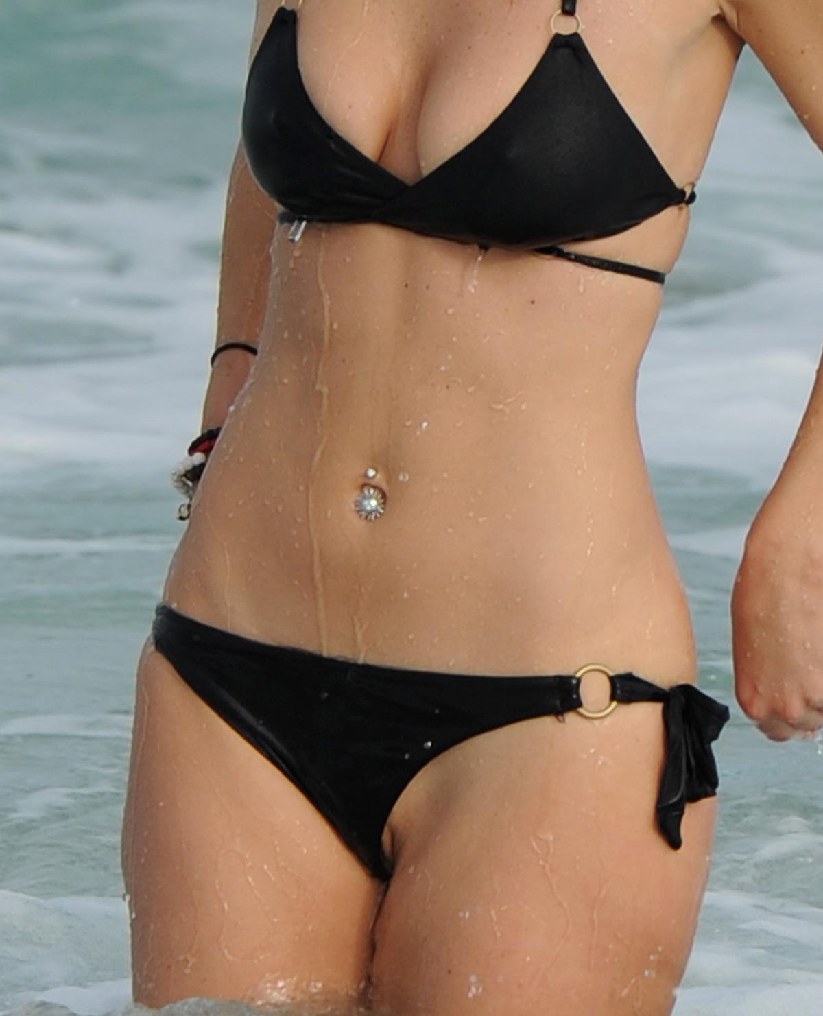 Girl photo bikini oops