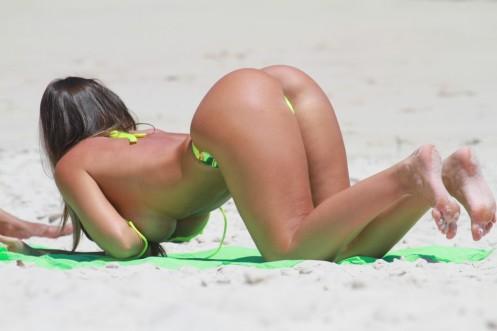 NicoleBahls2